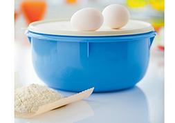 Tupperware Classic Large 12-cup Mixing Bowl - Blue with Whit